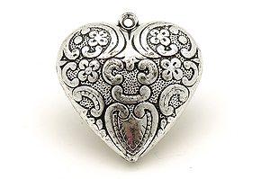 Mönstrat metallöverdraget akrylhjärta