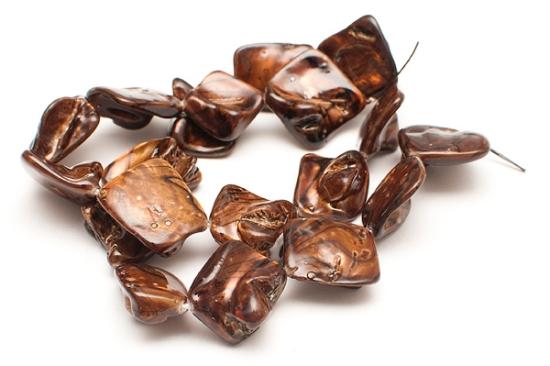 Snäckskalspärlor Brun med ränder