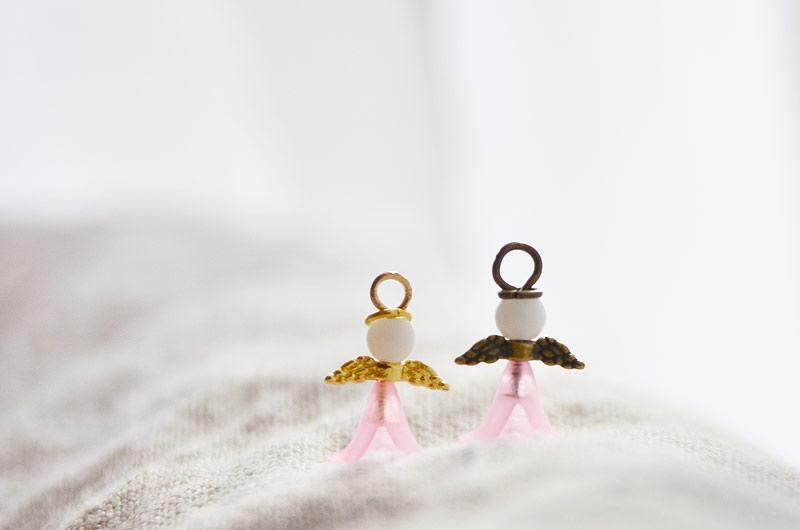Smyckeset små söta änglar