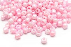 Seed beads 6/0, 4mm, Silky ljusrosa