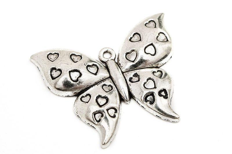 Antiksilver berlock, Fjäril med små hjärtan