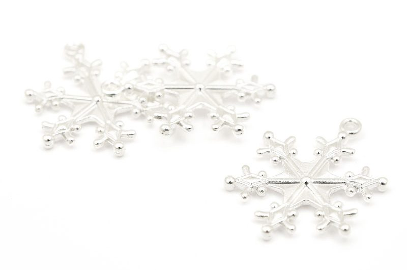 Silverpläterade berlocker Stora snöflingor 3st