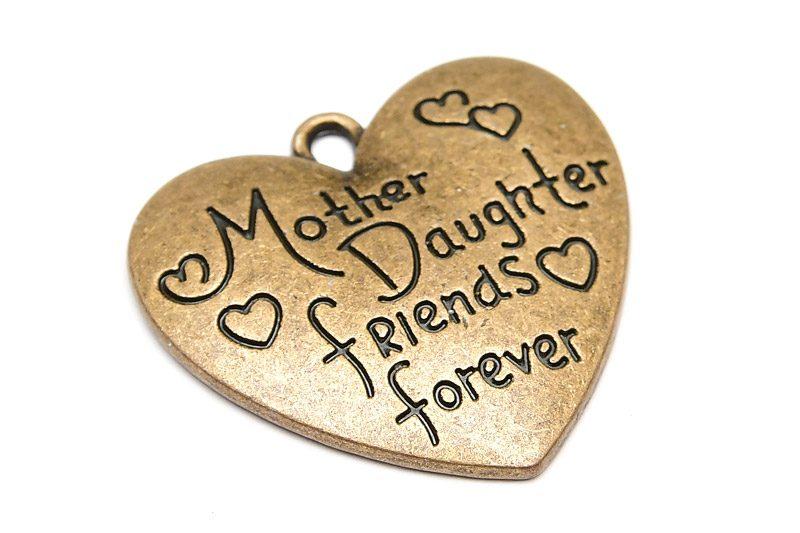 "Vintage berlock med budskap ""Mother daughter friends forever"""