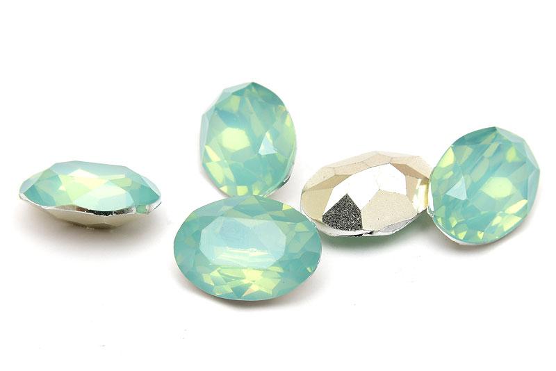 Oval cabochon med opaleffekt, Mintgrön 18x13mm