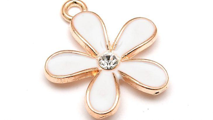 Emaljerad berlock, Vit blomma med strass, Ljus guld